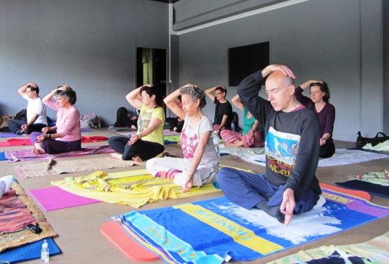 8 bramari nada yoga